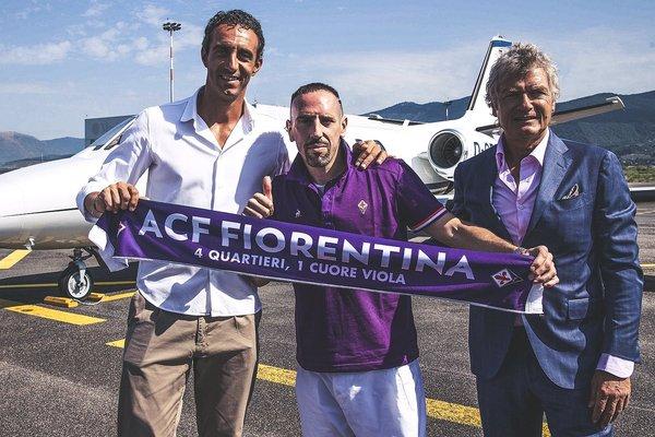 Franck Ribery no deja el fútbol y fue anunciado por la Fiorentina de la Serie A