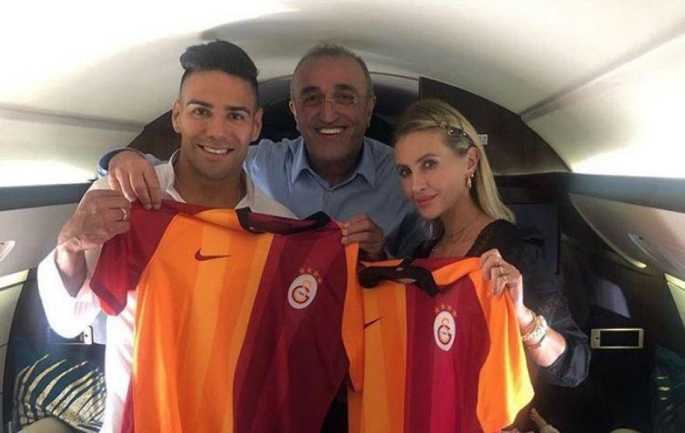El precio del traspaso provocó largas negociaciones entre ambos clubes, ya que el club del Principado quería recuperar 7 millones de euros.