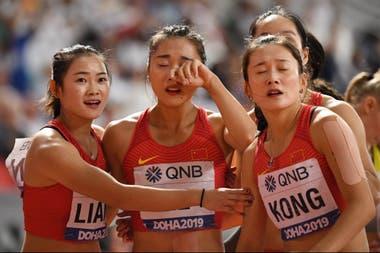 La insólita carrera del Mundial de atletismo: chinas corriendo hacia atrás por un error