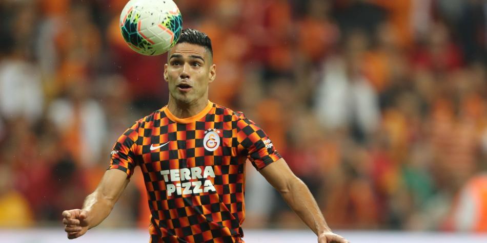 La crítica apunta directo en el Galatasaray: 'Falcao es un desastre'