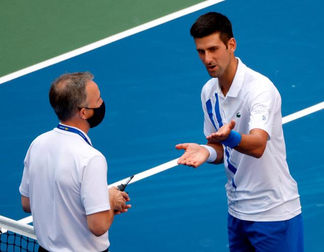 Qué dijo Djokovic al ser descalificado del US Open tras pelotazo no intencional a jueza de línea