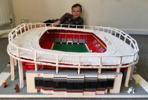 El niño de 12 años que construye los estadios de la Bundesliga con legos