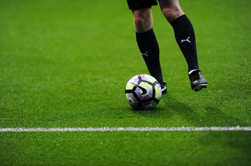 Cuáles son los clubes de fútbol que más dinero han perdido en el mercado el último año