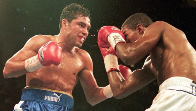 Óscar de la Hoya volverá a boxear a sus 48 años y después de 12 sin subirse al ring